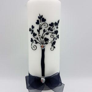 Personalizirana svijeća za vjenčanje.